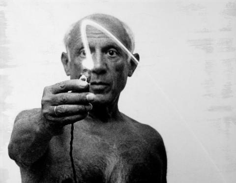 Picasso malt mit Licht